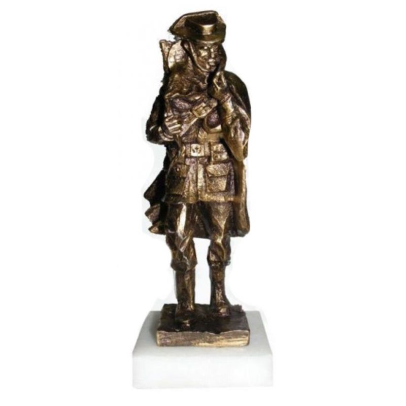 Figura Guardia Civil Figura capa color bronce 21x7 cm
